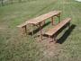 Laud ja 2 pinki